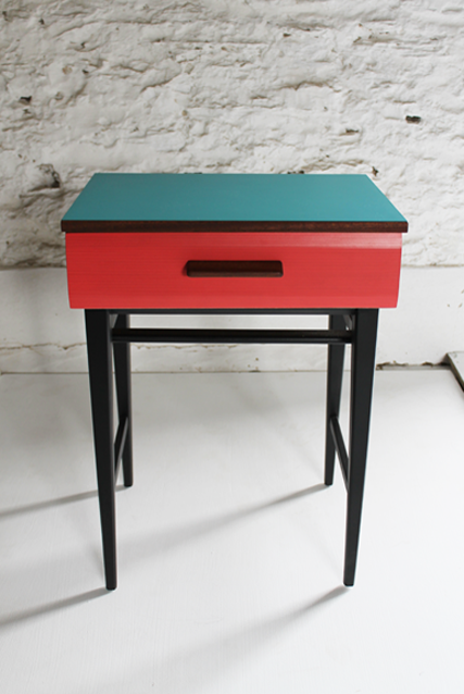coral-and-bermuda-formica-retro-sidetable-by-lucy-turner