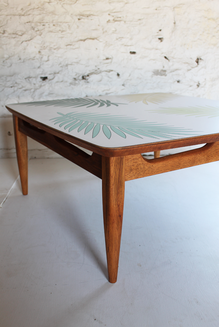 palm-leaf-formica-table