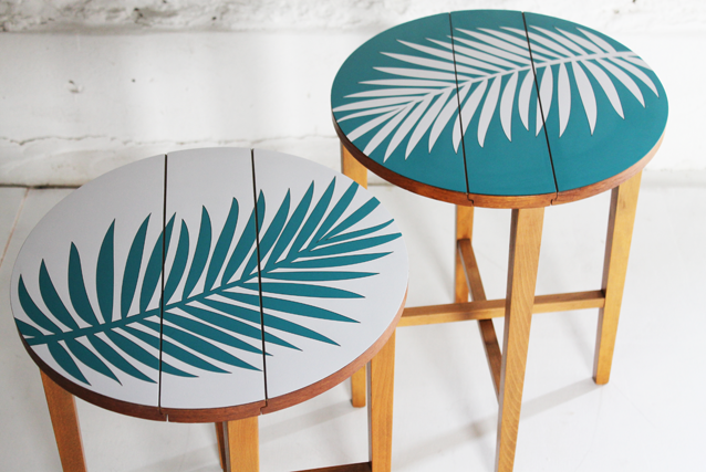 blue-and-white-side-tables-folding-palm-leaf