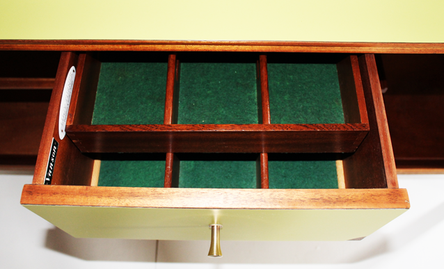 vanson-drawer-interior-lime-